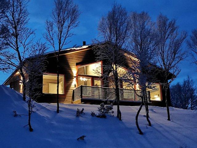 Nuorgam Holiday Village superior riverside cabin outside